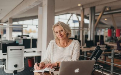 Leitfaden: Gehaltsverhandlung oder Mitarbeitergespräch vorbereiten als Online-Kurs bei Udemy.