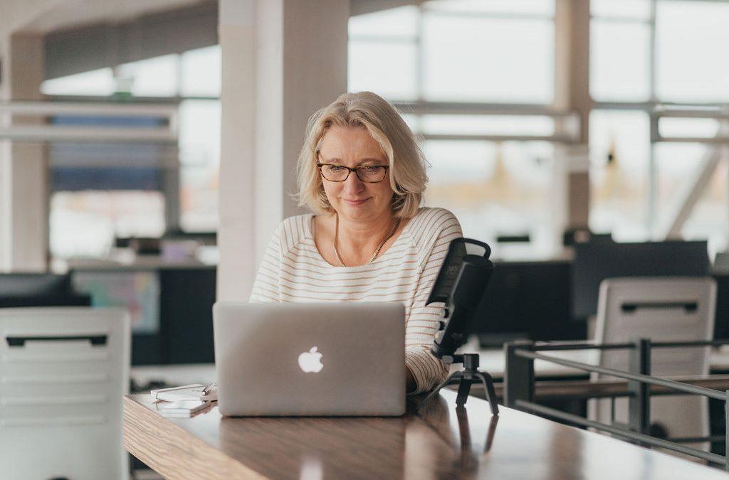 """In eigener Sache: """"Behind the scenes"""". Was es für mich bedeutet hat, meine Dienstleistung als Online-Business aufzubauen und wie ich die – vornehmlich technischen – Hürden im ersten Jahr gemeistert habe."""